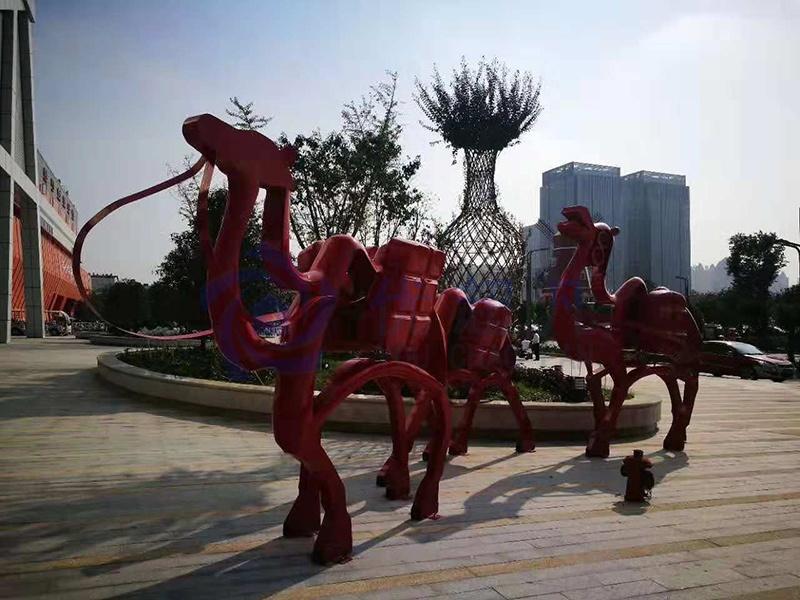 108雕塑保税直购体验中心街区美陈改造